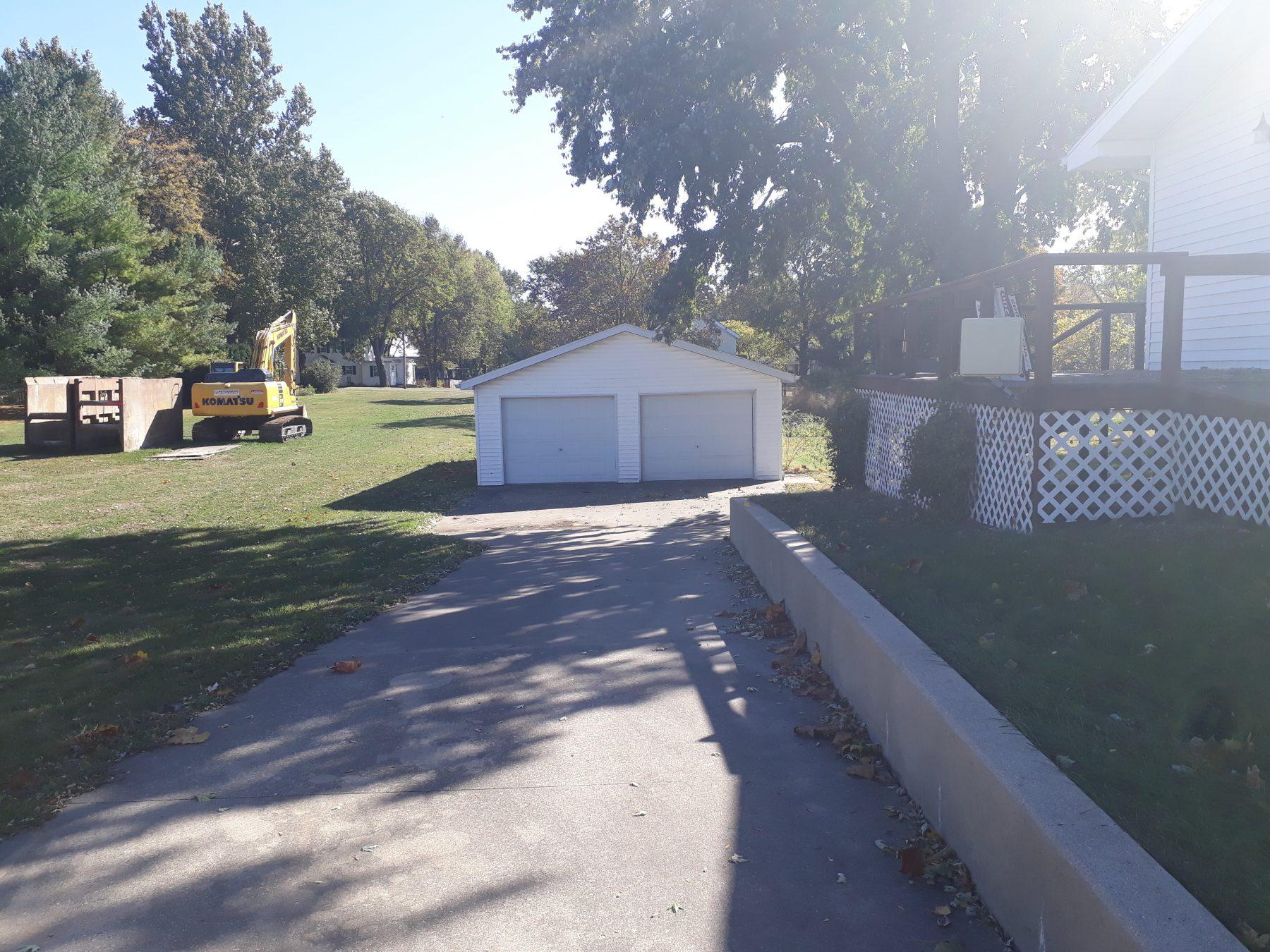 266 E Elm St Garage Front View